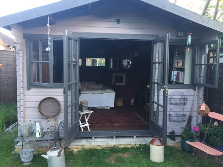 The Sumptuary - a sumptuous cabin sanctuary!
