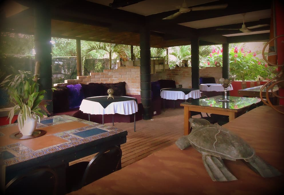 Authentic and traditional Italian cuisine comes together at Casa Sofia's restaurant. Join us for an open-air relaxing dining experience surrounded by an eclectic décor, lush gardens and a very unique architecture for Belize.