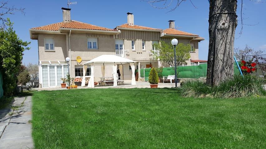 Casa Bellavista - jardín a 2km acueducto