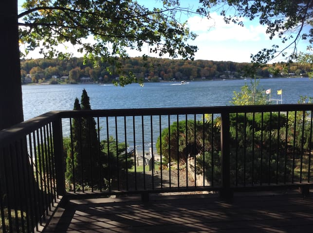 Charming Lakeside Home - Penetanguishene