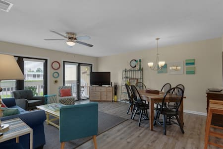 Sandpiper Cove condo with free beach service.