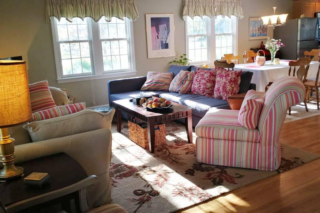 Open space Living Room hardwood floors