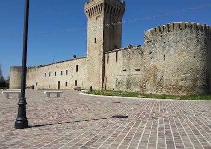 TORRE DELLA BOTONTA - Castel San Giovanni - Bed & Breakfast