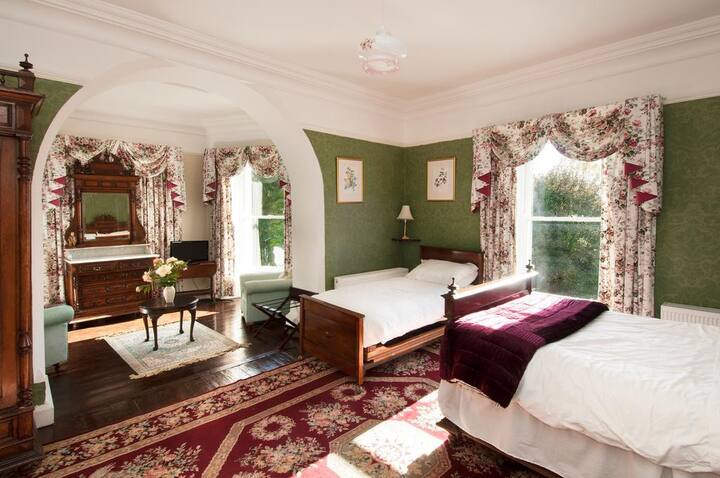 The Green Room -  Double Room with Lake View