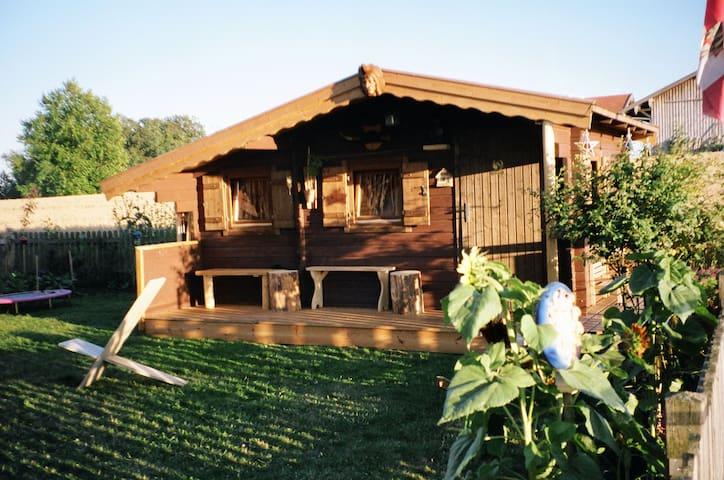 2 Holzhäuser - Tittmoning
