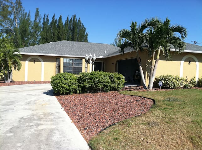 Cape Coral Tropical  Pool Home  - Cape Coral - House