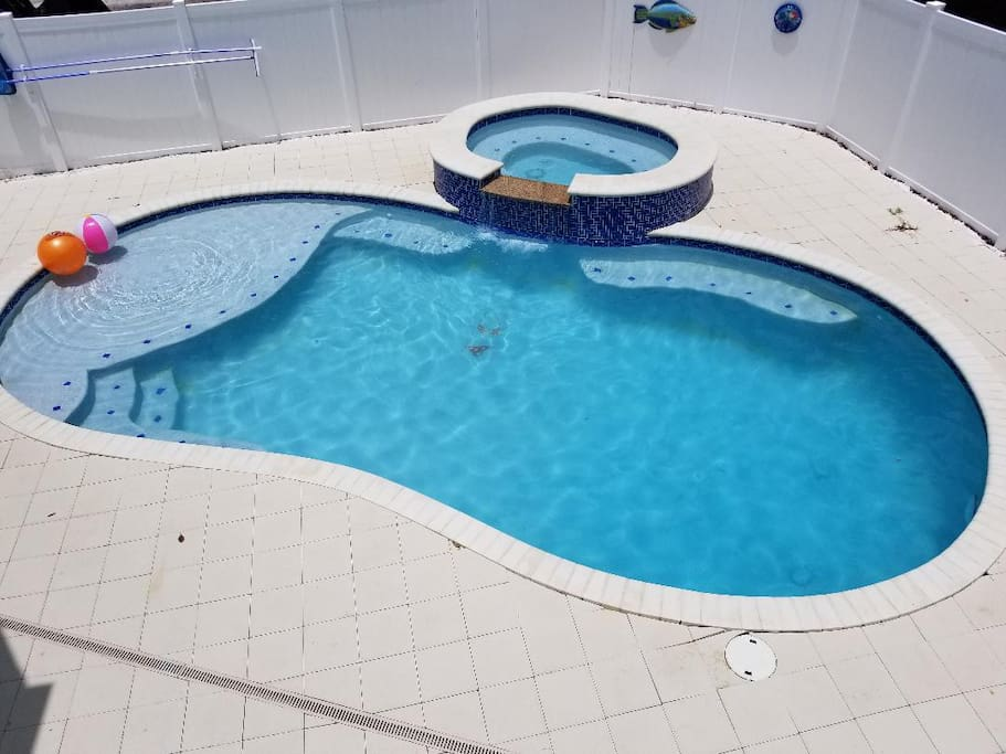 New Pool with 8-Person Hot Tub