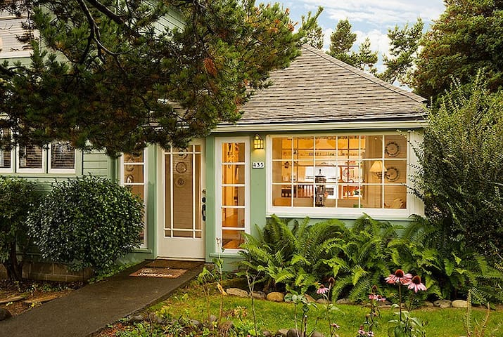 Scout's Cottage. HotTub SuperClean Ideal Get-Away! - Seaside - House