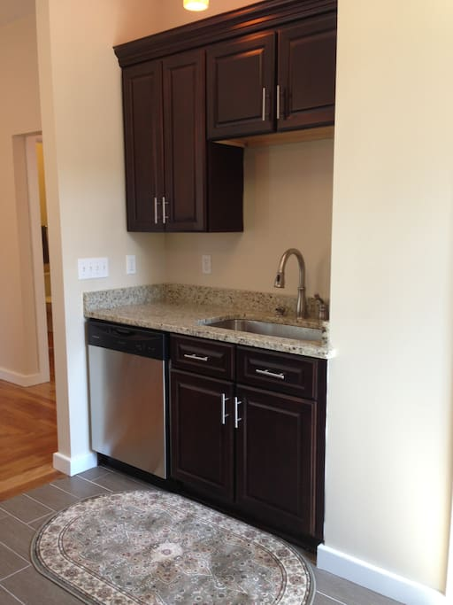 Spacious Bedroom Near Yale 1 1 Apartments For Rent In New Haven Connecticut United States