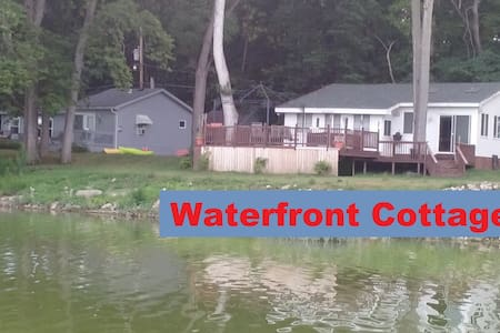 Secluded Waterfront Cottage! - Great Location! - Waterville