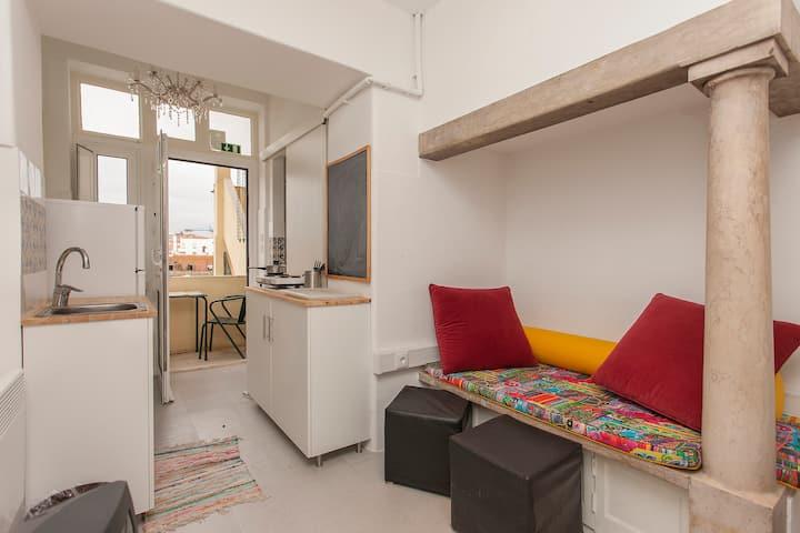 Cozy Studio with balcony in residence