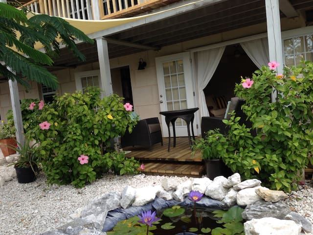 The Old Beach House - Providenciales - Byt