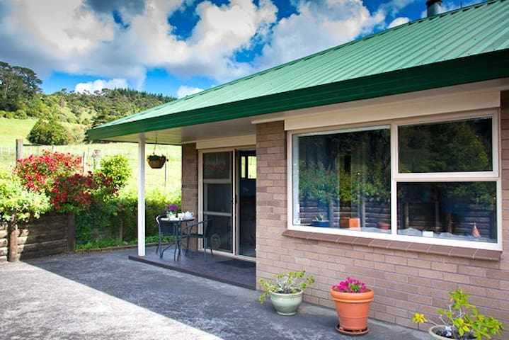 A rural retreat close to Auckland - Helensville - Bed & Breakfast