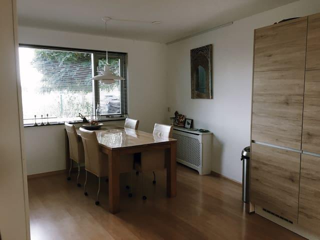 shared diningroom
