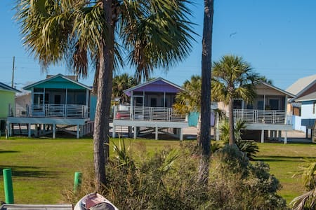 Cottage with Fishing Pier on Bay - Port Saint Joe