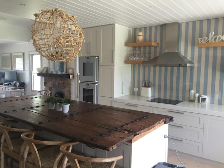 Hamptons Style Fisherman's Cottage - Barwon Heads