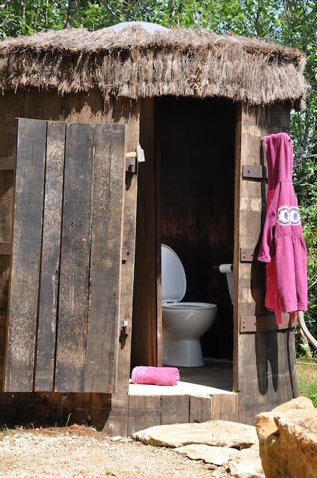 La douche et les WC
