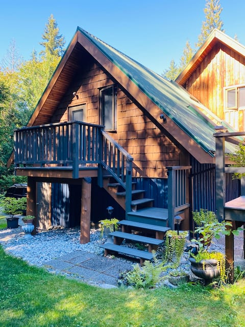 Beautiful Studio Suite in Forested Sanctuary
