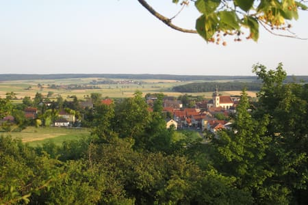 Urlaub auf dem Land in Unterfranken - Stadtlauringen - Inap sarapan