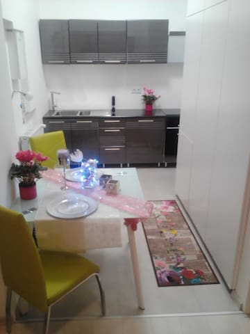 Modern One Bedroom Apartment - Bratislava - Apartamento