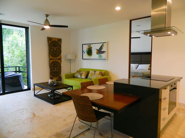 Modern 2BD Condo totally equipped w/jungle view