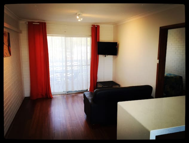 Affordable & Clean & Comfortable  - Perth - Apartment