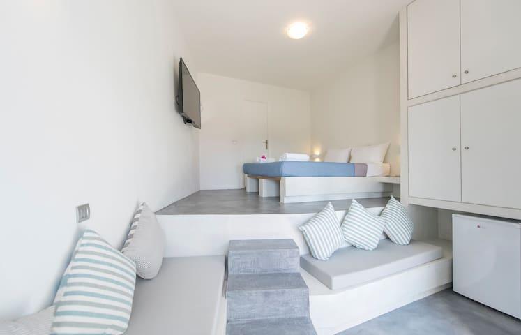 Aura Deluxe Studio (Sea view) 25 m²
