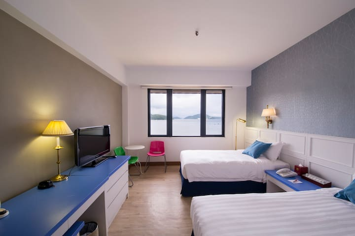 Beachfront resort on Lantau - Hong Kong - Bed & Breakfast