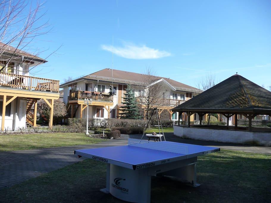 Grillplatz mit Outdoor-Tischtennis