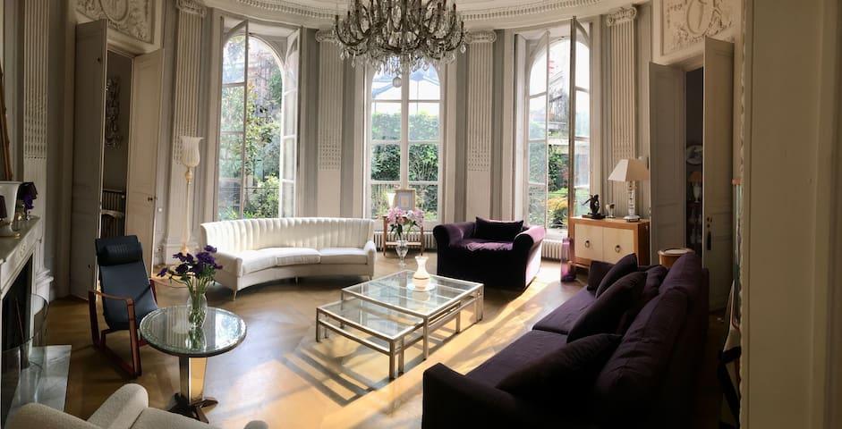* Appartement avec  services hôteliers  à Paris *