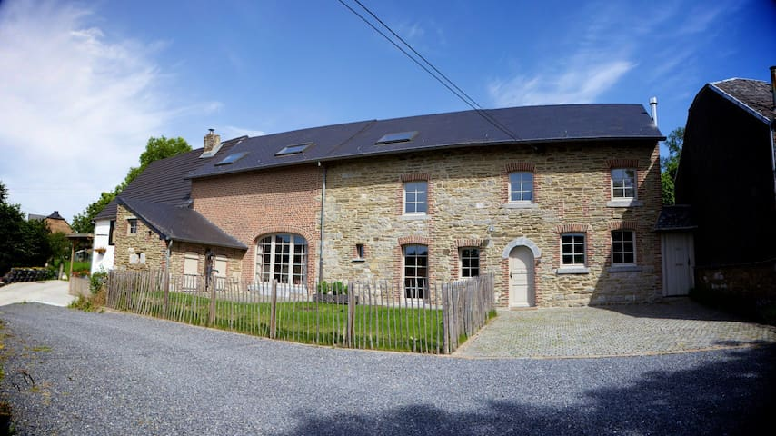 Renovated old farmhouse Durbuy 16p - Somme-Leuze - Casa
