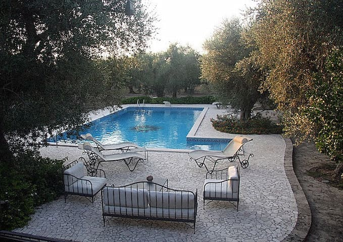 "Appartamento con piscina""Casa Ulmi"" - Uggiano La Chiesa - Wohnung"