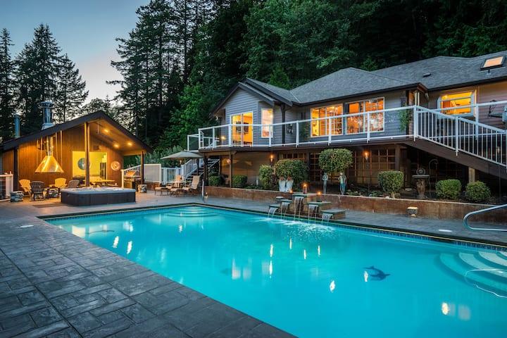 Amazing Getaway-Pool, Hot Tub, Fire Pit, & Hike