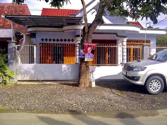 A big private family house near Gontor Putri 1 & 2