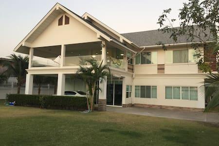 Bangsean methaporn holiday house - Chonburi - Haus