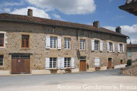 Bed & Breakfast in rural France - Pressac