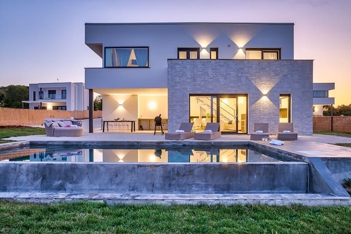 Villa Cala Sonriso *Sea view *Pool *Pet friendly