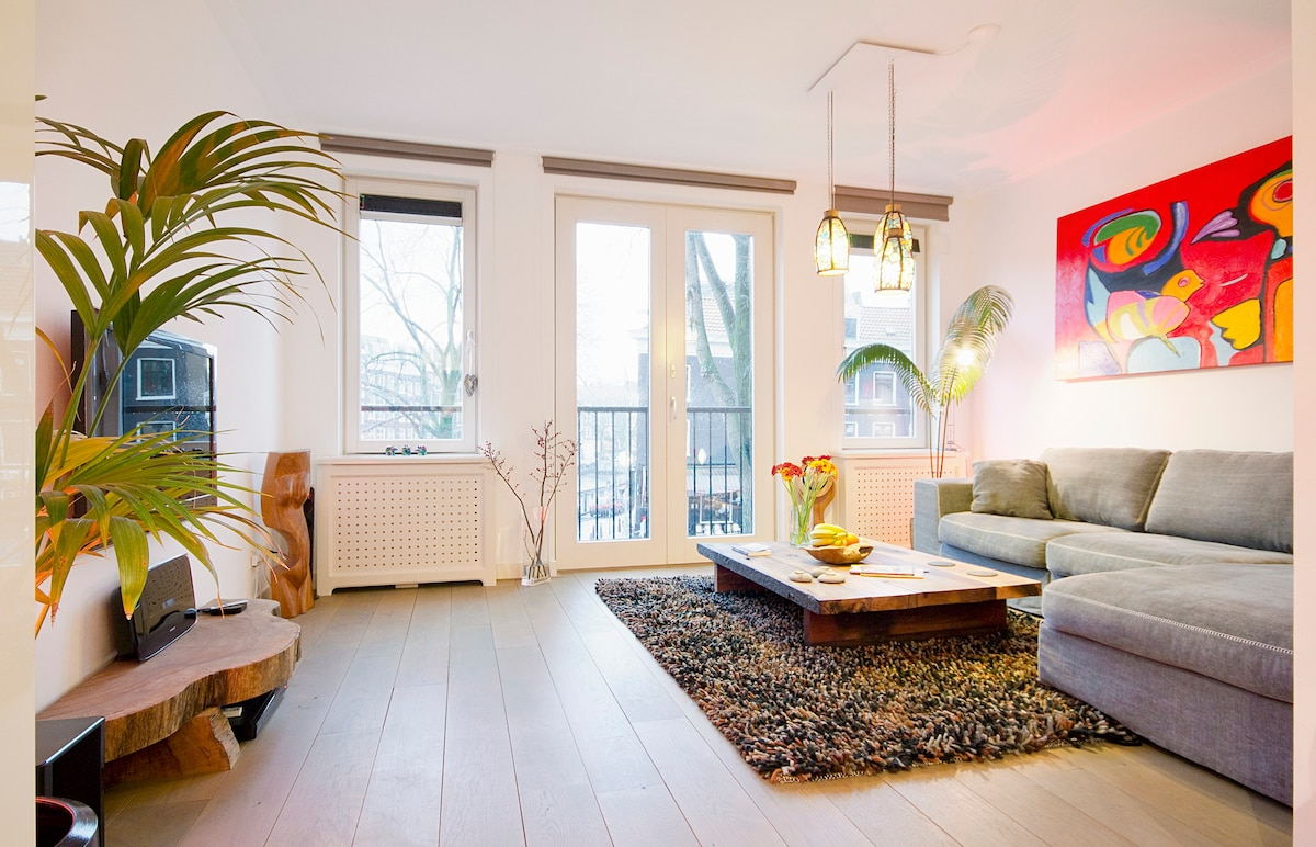Best Canal Facing Airbnb Amsterdam