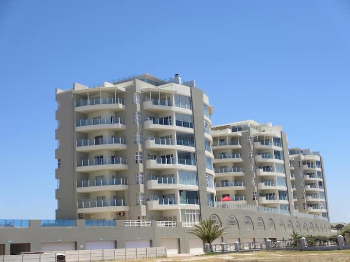 Trio Towers - Diaz Beach