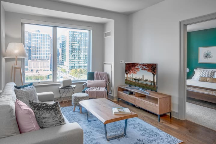 Clever 1BR w/ Office Nook in Seaport w/ Pool + Gym by Blueground
