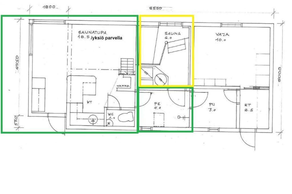 Vihreä alue kuvassa on vieraan käytettävissä ja keltainen alue (sauna) varattavissa lisämaksua vastaan. / Green area in the picture is in guest use and yellow area (sauna) can be booked for an additional fee.