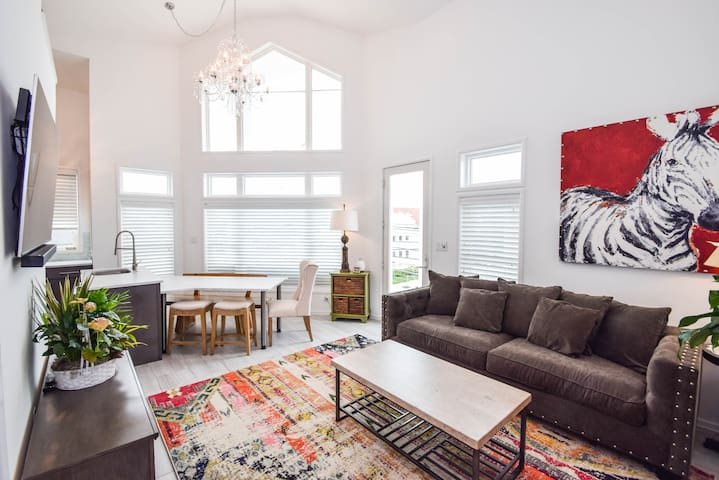 Margate 4BR loft condo close to beach and downtown