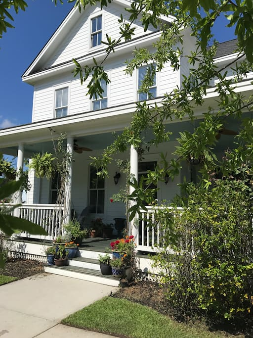 For an authentic low country experience, stay in an authentic low country charmer!