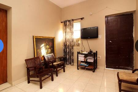 Close to the airport, wifi. - New Delhi  - Apartamento