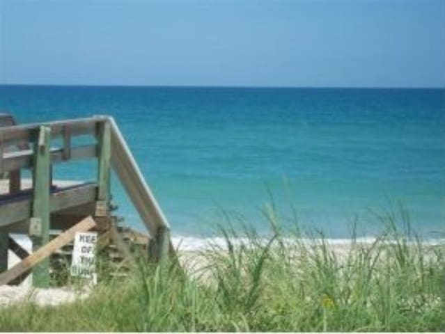 Comfy cozy condo 1 block frm beach - Melbourne Beach - Townhouse