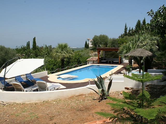 Apartment in a villa with big pool - Pego - Casa