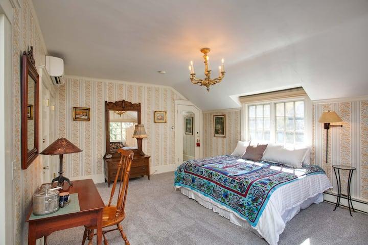 Rockledge Historic Lodge - The El Ocaso Room