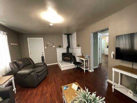Shabby Chic Style Home - Unit A