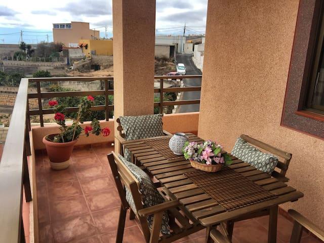 CASA ABONA AMPLIA CERCA DEL MAR, SUR DE TENERIFE - La Sabinita