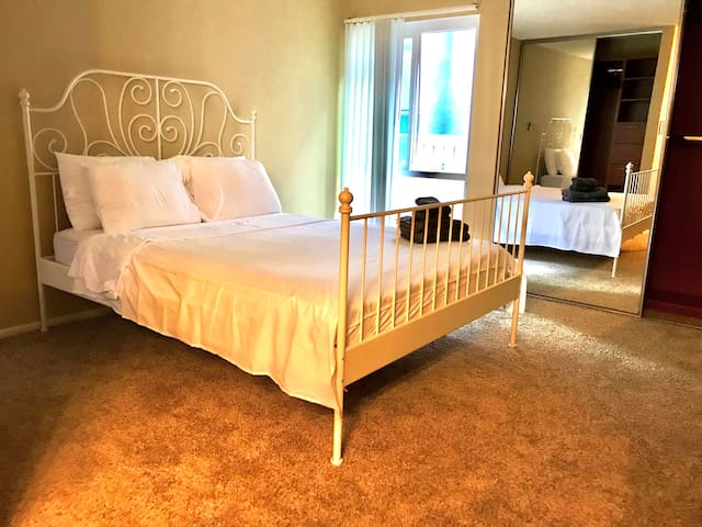 NEWPORT BEACH | SNUG APARTMENT, WELCOME TO STAY